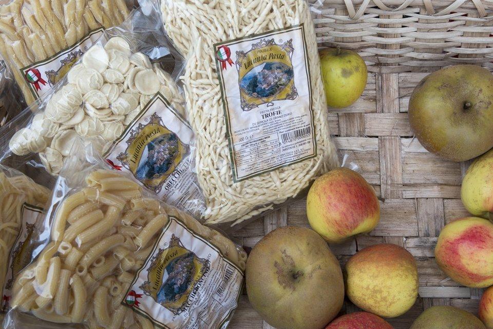 assortiment de pates et pommes