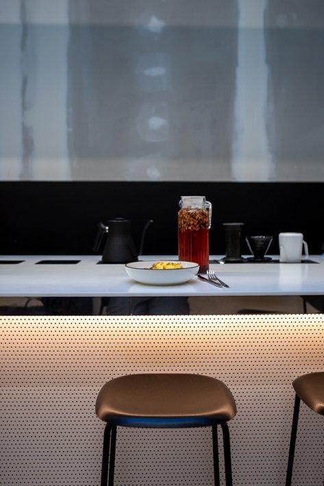 coffee shop back to black