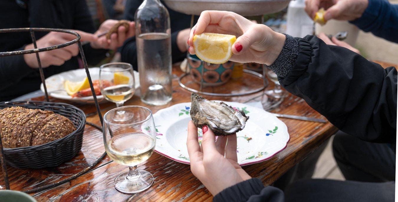 table et plateau d'huitres