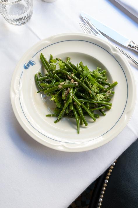 assiette de haricots verts