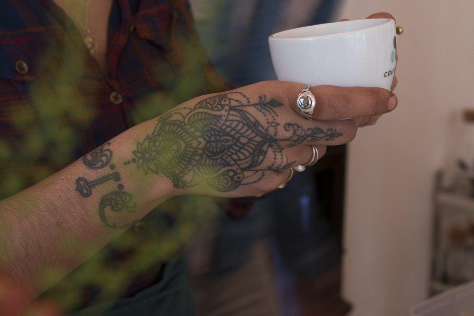 main et tatouage