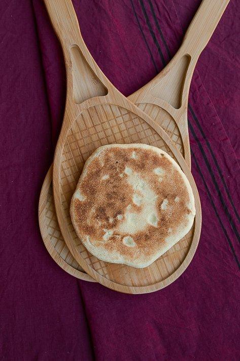 plat en forme de raquette-pain